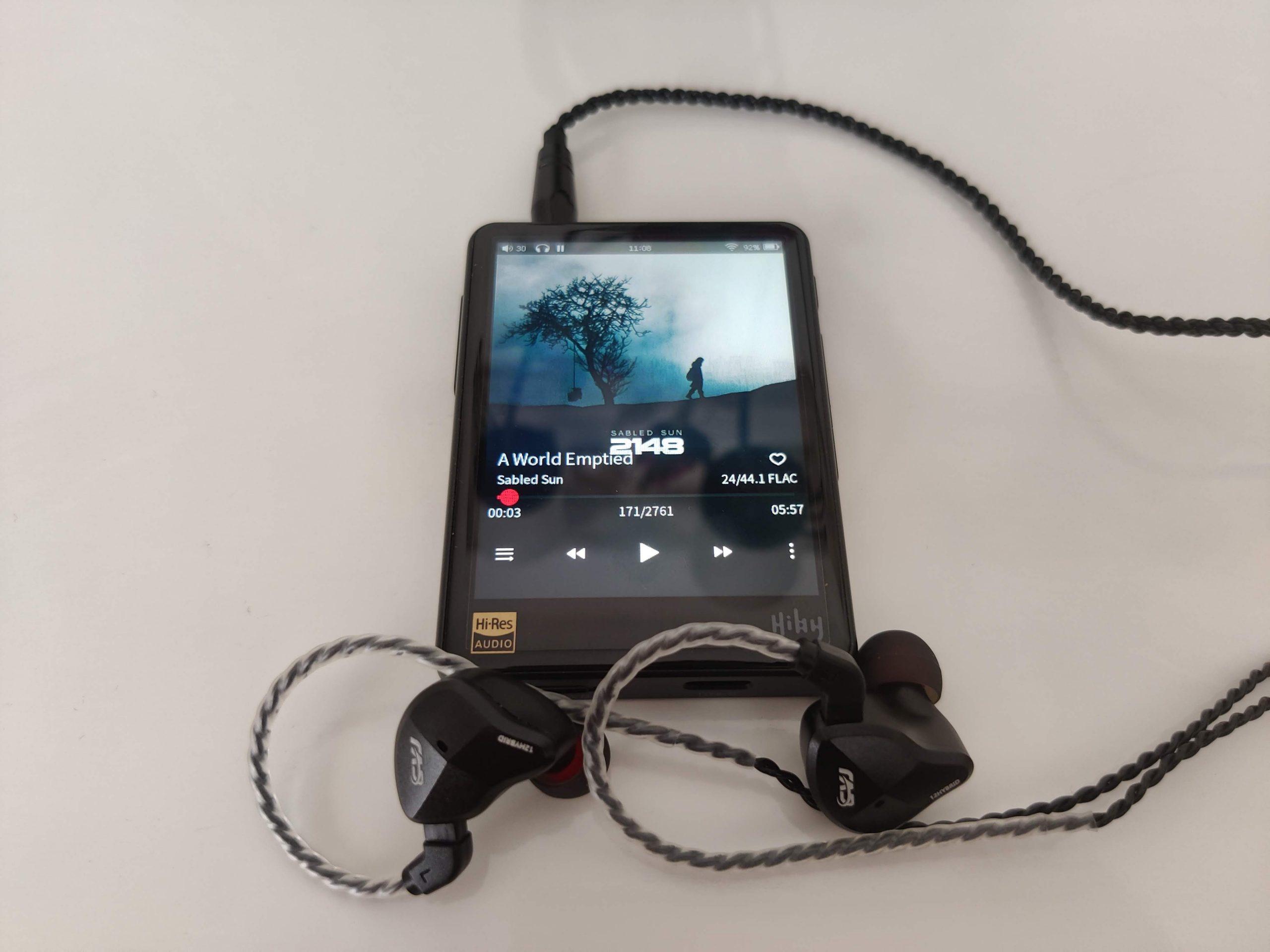 HiBy R3 Pro avec écouteurs CVJ